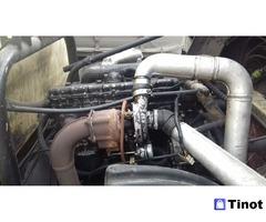 Ремонт двигателей. Установка ворот на фургоны
