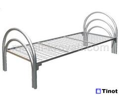 Практичные кровати из металла